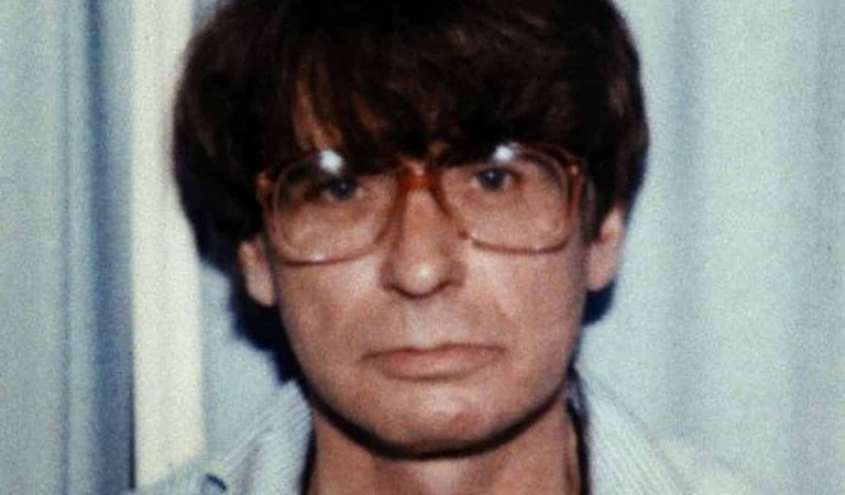 "Introducing Dennis Nilsen — The ""British Jeffrey Dahmer"""