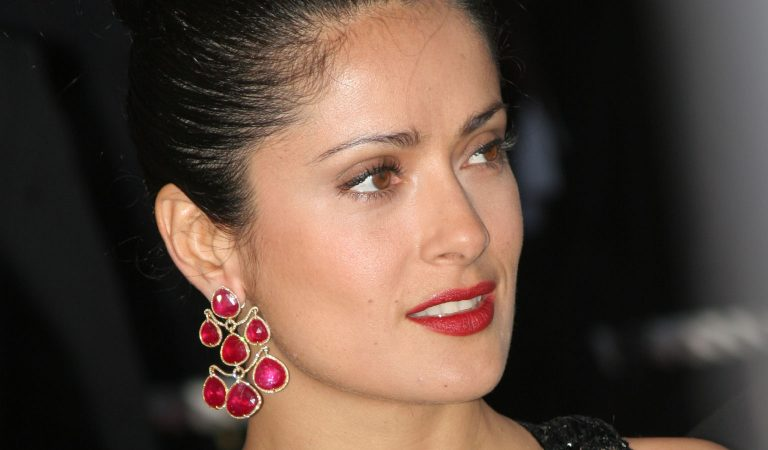 10 Ridiculously Stunning Photos Of Salma Hayek