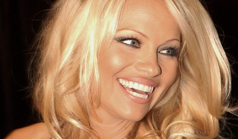 10 Ridiculously Stunning Photos Of Pamela Anderson