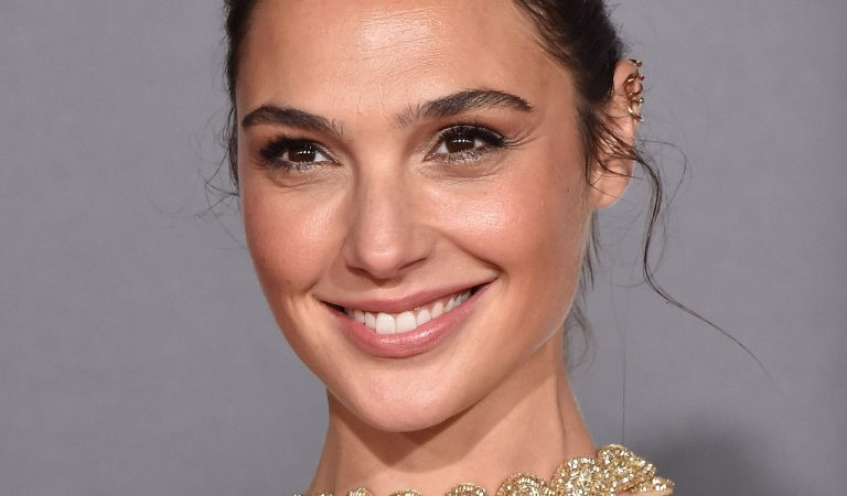 10 Ridiculously Stunning Photos Of Gal Gadot