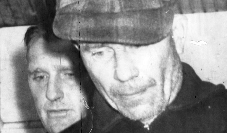 """Ed Gein: Meet The Real-Life Twisted Killer Who Inspired """"Psycho"""""""