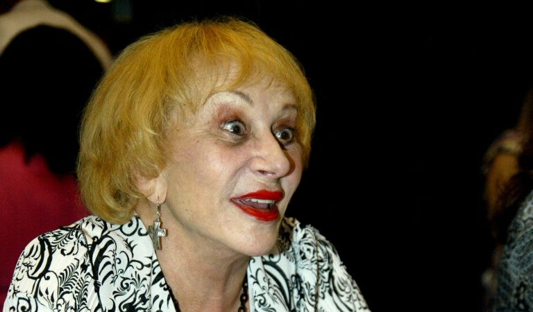 """10 Details Surrounding Sylvia Browne, Who Scammed Millions Posing As A Medium With """"Psychic Abilities"""""""