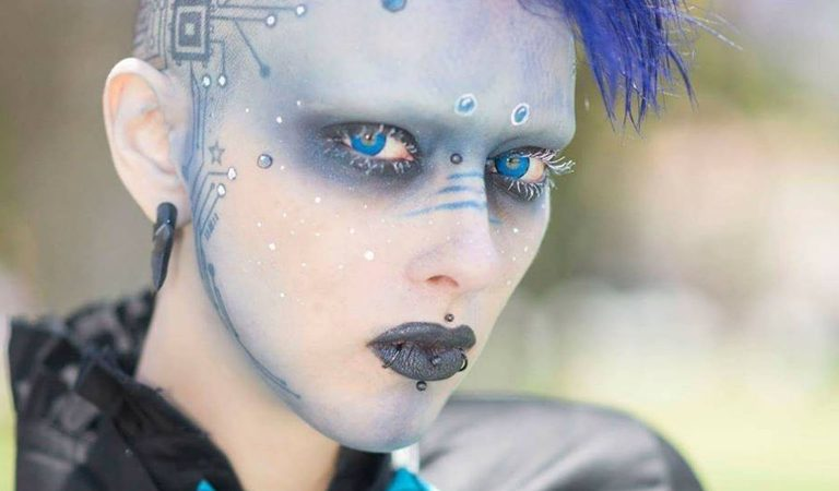 10 Otherwordly Facts About The Genderless Alien, Jareth Nebula