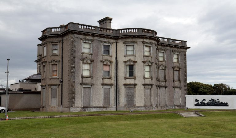"""10 Sinister Facts About Ireland's """"Most Haunted Mansion,"""" Loftus Hall"""