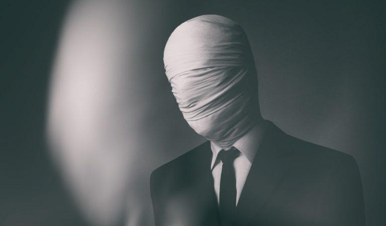 "10 Harrowing Facts Surrounding The Slender Man ""Internet Meme"" Inspired Stabbing"
