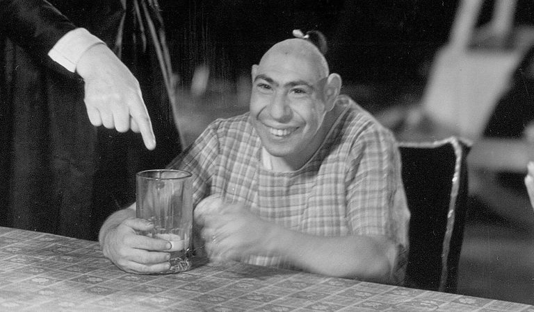 """10 Heart-Rending Facts About Schlitzie, The Sideshow """"Pinhead"""" Who Was Made Famous By The Movie """"Freaks"""""""