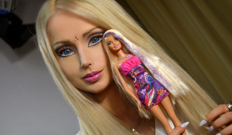 "10 Unbelievable Details Surrounding Valeria Lukyanova, The ""Human Barbie Doll"""