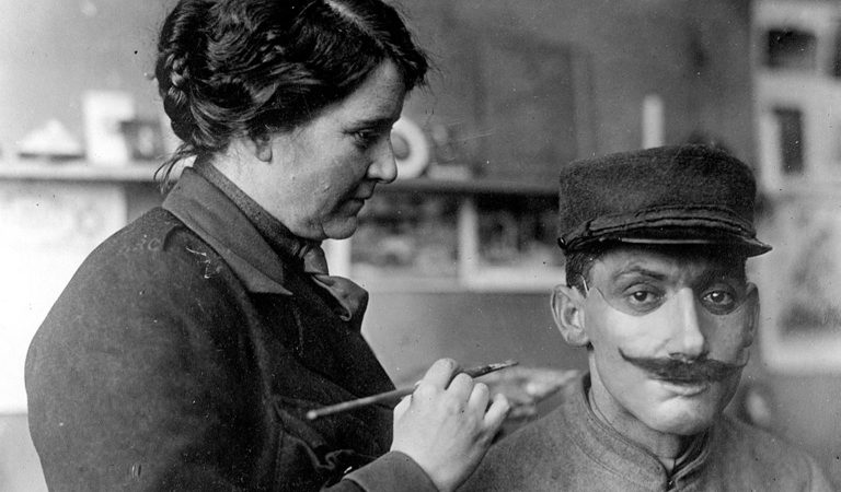 10 Unbelievable Details Surrounding Anna Coleman Ladd, Who Designed Masks During WWI For Mutilated Soldiers